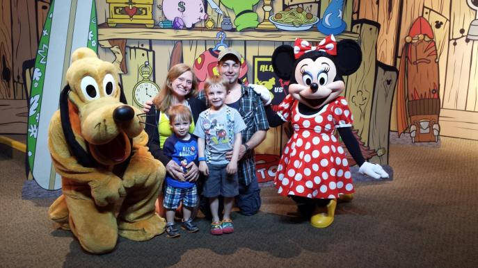 A Disney vacation always brings families together!
