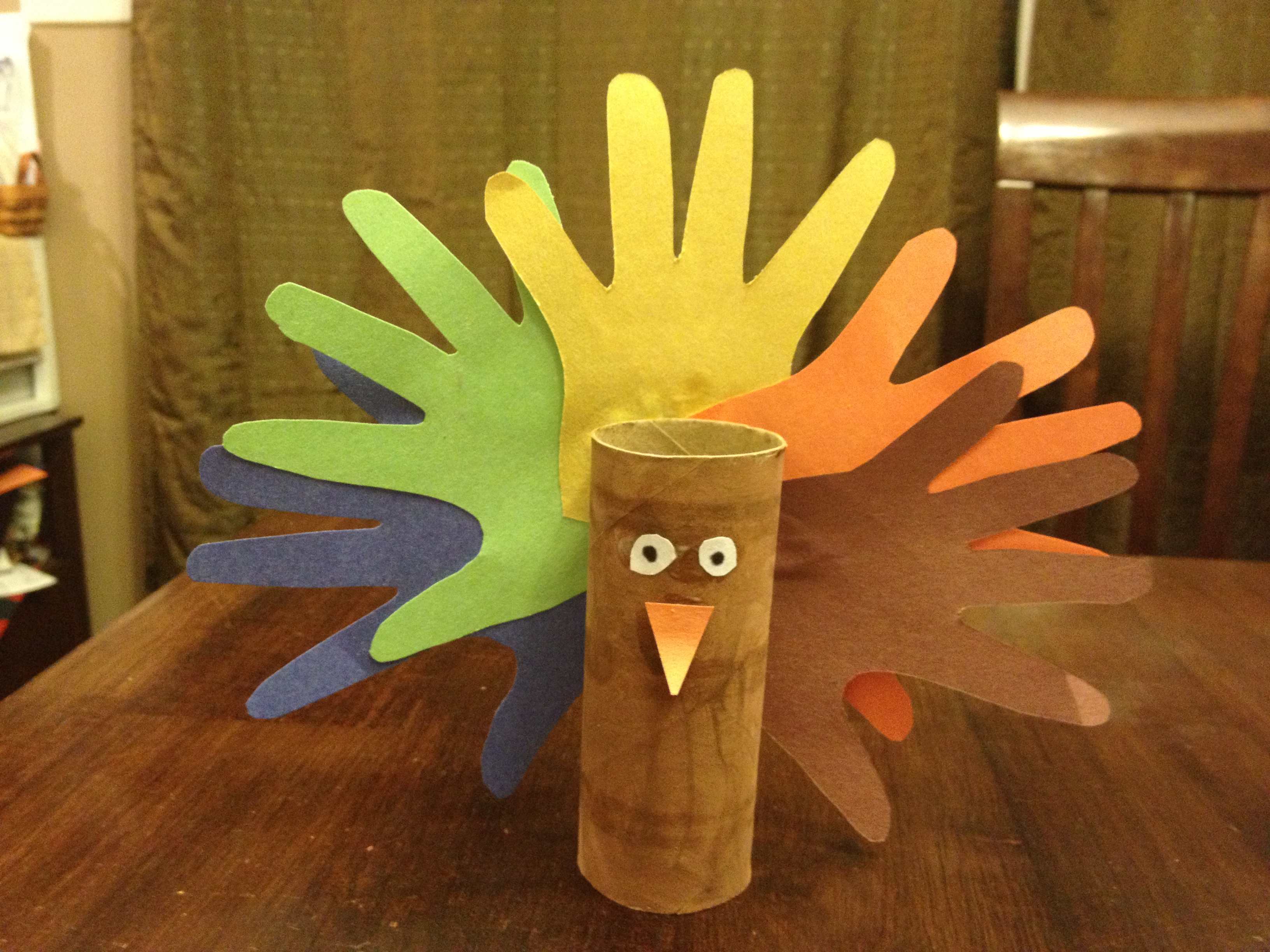 Kids and art 10 fun fall crafts mommy university for Toilet paper roll crafts thanksgiving